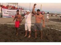 Plaj güreşinde Türkiye üçüncüsü Yunusemre'den