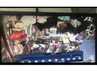 Sakarya'da hırsızlık anı güvenlik kamerasına yansıdı