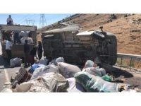 Kahramanmaraş'ta kamyonet takla attı: 1'i ağır 5 yaralı