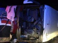 Yolcu otobüsü şarampole uçtu: 7 ölü, 24 yaralı