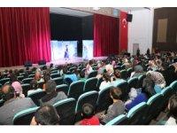 Beyşehir'de tiyatro oyunu sahnelendi