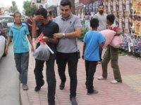 Sokakta çalışan çocukların aileleri hakkında işlem