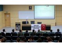 SAÜ'de 'Ekonomik sorunlar ve çözüm yolları' tartışıldı