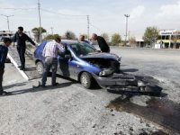 Otomobil ile tır çarpıştı:2 Yaralı