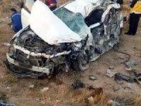 Niğde'de otomobil ile tır çarpıştı: 2 ölü