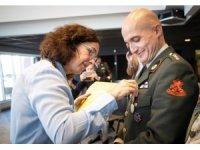 Hollanda'da gazi torunu Türk'e kahramanlık ödülü