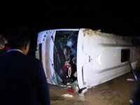Yolcu otobüsü devrildi: 30 yaralı...