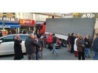 GÜNCELLEME- Freni patlayan kamyon 10 araca çarptı