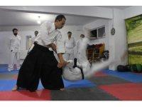 Doktorlar şiddete karşı aikido öğreniyor