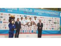 Kağıtsporlu Zeynep Dünya Şampiyonu oldu