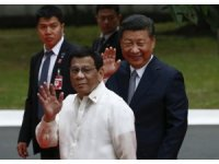 Tepkilere rağmen Çin'e yakınlaşıyor