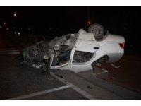 Hurdaya dönen otomobilin sürücüsü kazadan yaralı kurtuldu