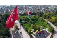 Çumra 5 yılda Türk bayraklarıyla donatıldı