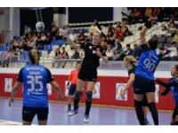 Muratpaşa Belediyespor kadın hentbol takımında galibiyet sevinci