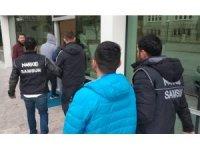 Samsun'da 5 zanlıya uyuşturucudan tutuklama