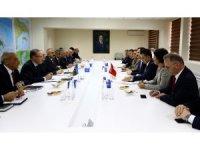 Bakan Pakdemirli, Azerbaycan Çevre ve Doğal Kaynaklar Bakanı Babayev ile görüştü
