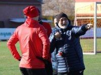 """Kayserispor Teknik Direktörü Hikmet Karaman: """"Tek odaklandığımız nokta Akhisarspor"""""""