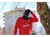 Soğuk hava Kayserisporlu futbolcuları da etkiledi