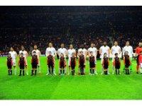 UEFA Şampiyonlar Ligi: Galatasaray: 0 - Porto: 1 (Maç devam ediyor)