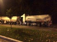 İzmir'de tankerler çarpıştı, 4 ton mazot yola döküldü