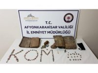 Tarihi eser ve gök taşı satmaya çalışan 3 kişi yakalandı