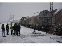 Doğuda kar yağışı ve tipi sürücülere zor anlar yaşattı