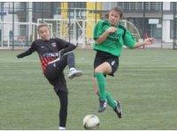 Kadınlar 3. Futbol Ligi'ne 1 hafta ara