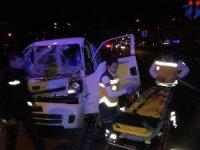 Araç içinde sıkışan sürücüyü AFAD ve itfaiye ekipleri kurtardı