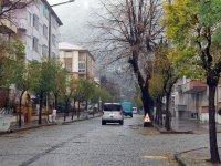 Akşehir Belediyesi ağaçlara zarar vermeden çalışmalarını sürdürüyor
