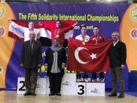 Kağıtsporlu Berfin halterde 2 madalya kazandı