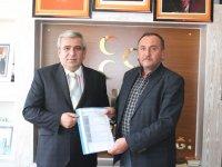 MHP Yunak'ta ilk resmi başvuruyu Abdülkadir Çevik yaptı