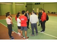 Tenis Federasyonu yetkilileri Mersin'deki tesisleri inceledi