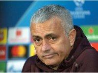 Manchester United, Jose Mourinho'nun görevine son verdi
