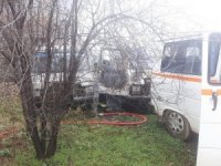 İnönü'de çıkan yangında 2 minibüs kullanılamaz hale geldi