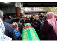Rize'de kamyonun çarpması sonucu ölen anne ve kızı toprağa verildi