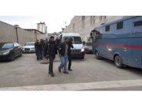 Elazığ'da uyuşturucu tacirlerine operasyon:4 tutuklama