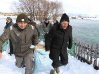 Seydişehir'de hayvanlara yem bırakıldı