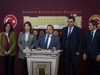 """AK Parti'li Özdemir'den """"yatağa bağımlı"""" seçmene çağrı"""
