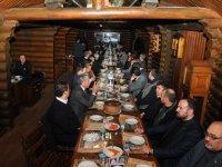 Başkan Akkaya'dan protokole herse ikramı