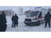 Karda mahsur kalan hasta 6 saatlik çalışma sonrası kurtarıldı
