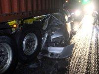 Konya'da otomobil tırla çarpıştı:  4 ölü, 2 yaralı