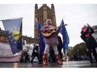 Güvenoyu alan May, Avrupa Birliği ile yeniden müzakere edecek