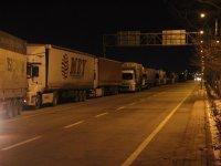 Tır ve kamyonlar trafiğe açıldı