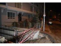 Başkent'te istinat duvarı çöktü: İki bina boşaltıldı