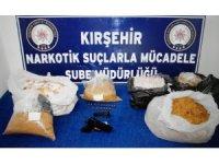 Kırşehir'de kaçak sigara ve uyuşturucu operasyonu