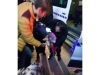 Dolmuşta boğazına cisim kaçan bebek boğulma tehlikesi geçirdi