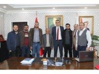 Kaymakam Akbulut'tan eğitime destek verenlere plaket