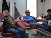 Kan ve kök hücre bekleyen hastalar için kan verdiler
