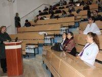Dr. Toprak, doktor adaylarıyla buluştu