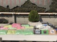 Uyuşturucuyu kalasların içine saklayan şüpheliler tutuklandı